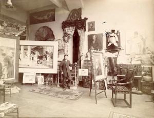Luna in his Madrid studio