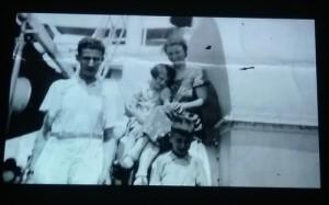 A Jewish family arrives in Manila.